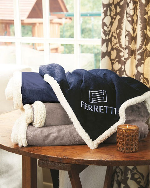 Picture of Deluxe Size Fairfield Throw Blanket